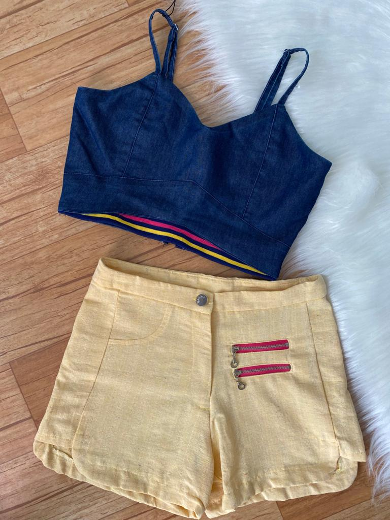 Conjunto top jeans e short amarelo teen